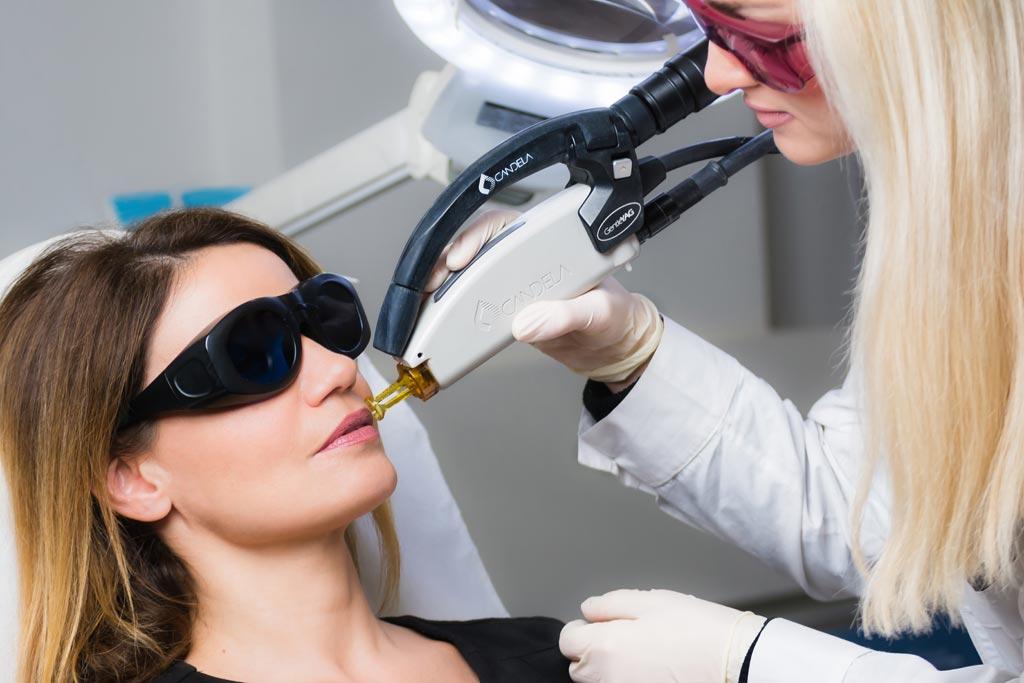 panagiota-blanti-laser-apotrixosi-eliteplasticsurgery