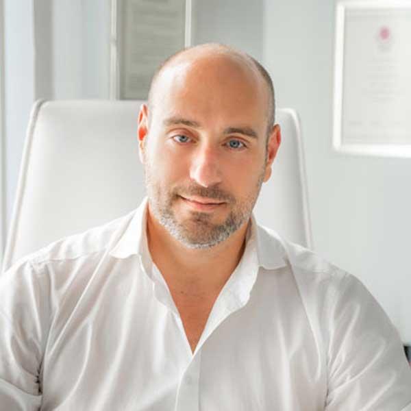 Ανάλυση της Laser Αποτρίχωσης από τον Πλαστικό Χειρουργό Γεώργιο Σαμούρη